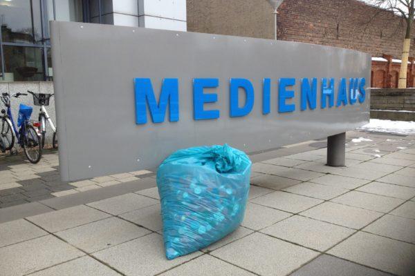 20190223 LR Die Leser und die Mitarbeiter der Lausitzer Rundschau waren wieder fleißig! Dort können wir regelmäßig Deckelladungen abholen. Vielen Dank!